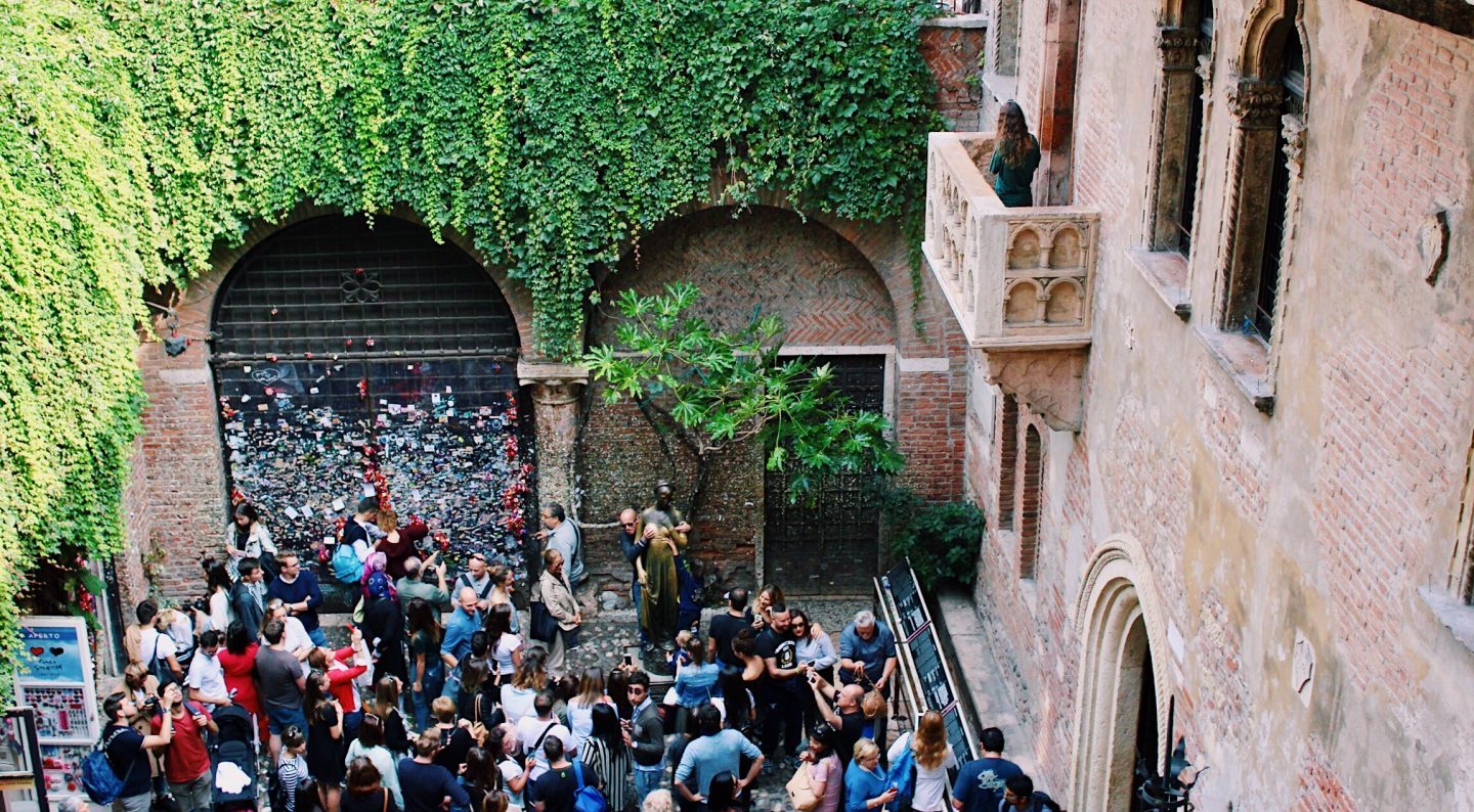 A photo of Juliet's balcony in Verona, Italy!